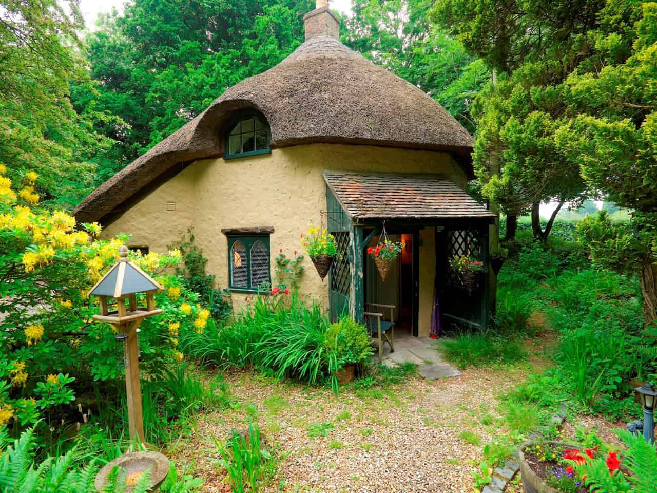A thatched cottage in Wareham, Dorset